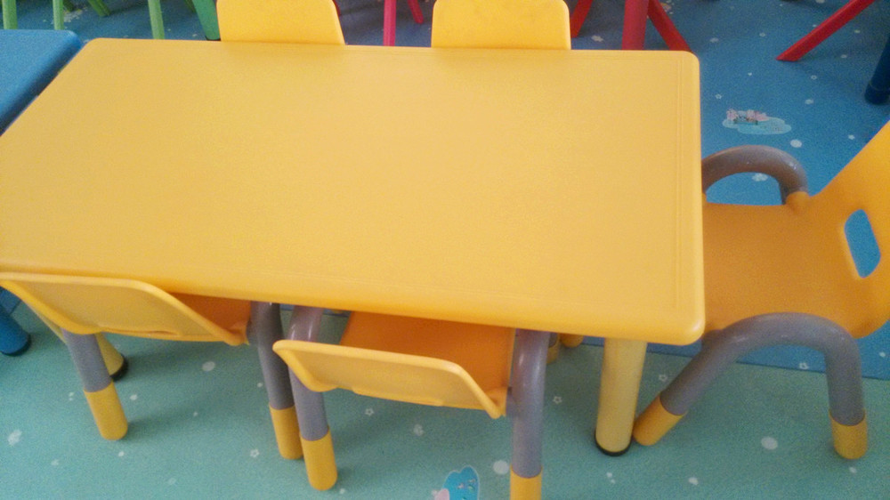 Cheap Plastic Dining Table And Chairs QX 194G/ Little Kids Table/ Kids Table