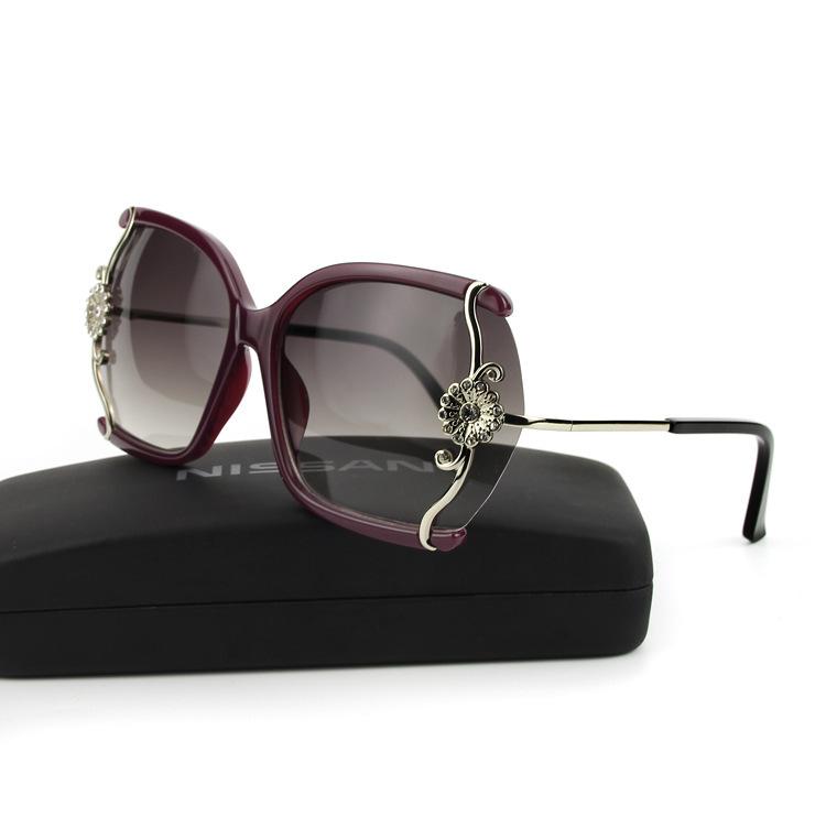 b3d64e0940 Get Quotations · 2015 The New Vintage Diamond-studded Sunglasses Delicate  Lace Sexy Fashion Women s Sunglasses Designer Fashion