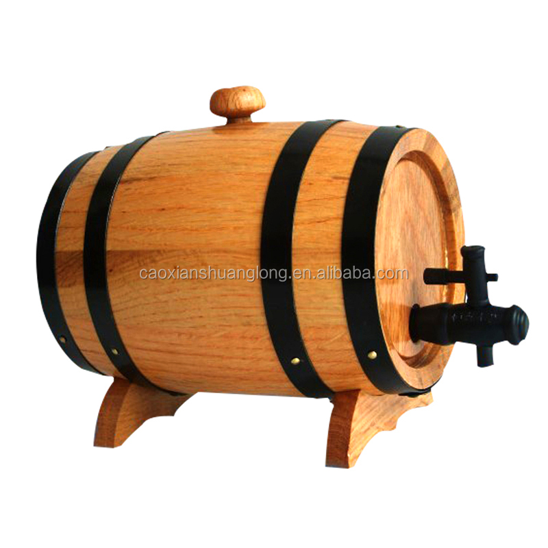 Serviceable barrels of wood for wine used