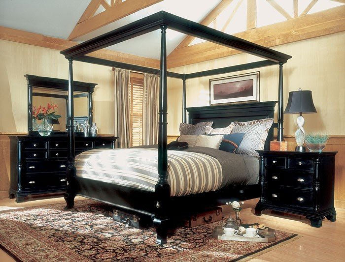 Magnussen Hastings King Size Four Poster Canopy Bed Set
