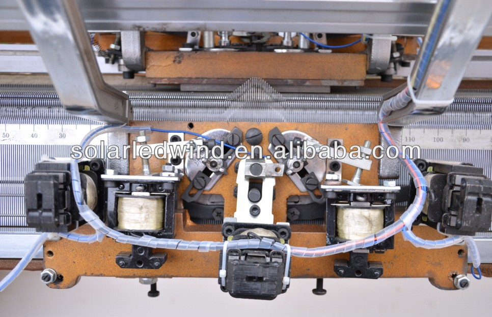 Semi-auto flat knitting machine