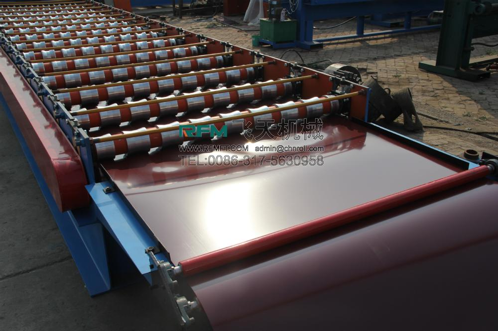 Trapezoidal iron sheets roll form and cut machine