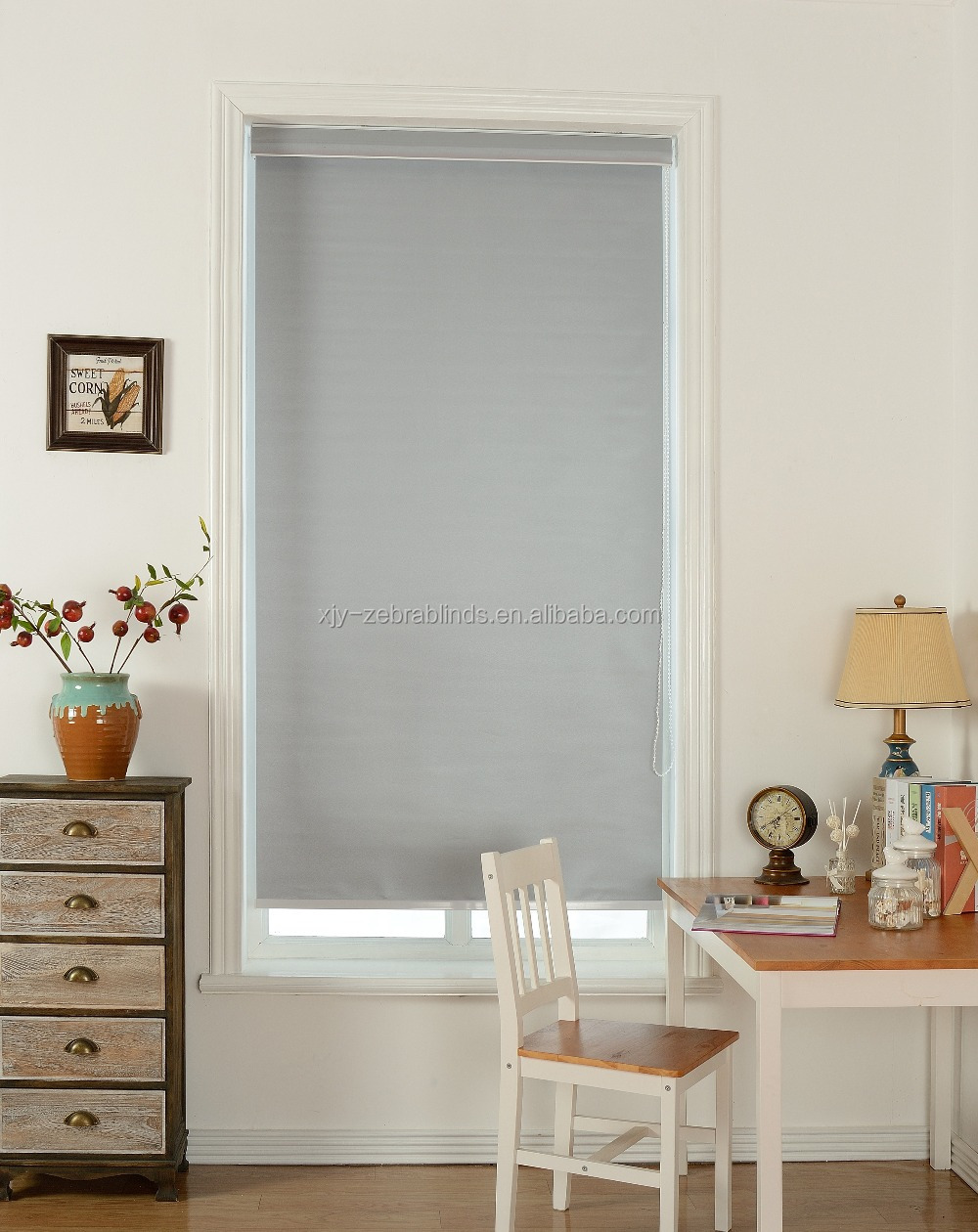 Basic plain design solid color blackout roller blind fabric and readymade blinds