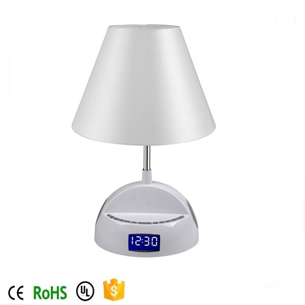 drahtlose bluetooth lautsprecher lampe mit wecker fm radio und usb ladeanschluss tischlampe. Black Bedroom Furniture Sets. Home Design Ideas