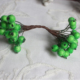 High Quality 200pcs Mini Christmas Frosted Fruit Berry Holly Artificial Flower In Green Color