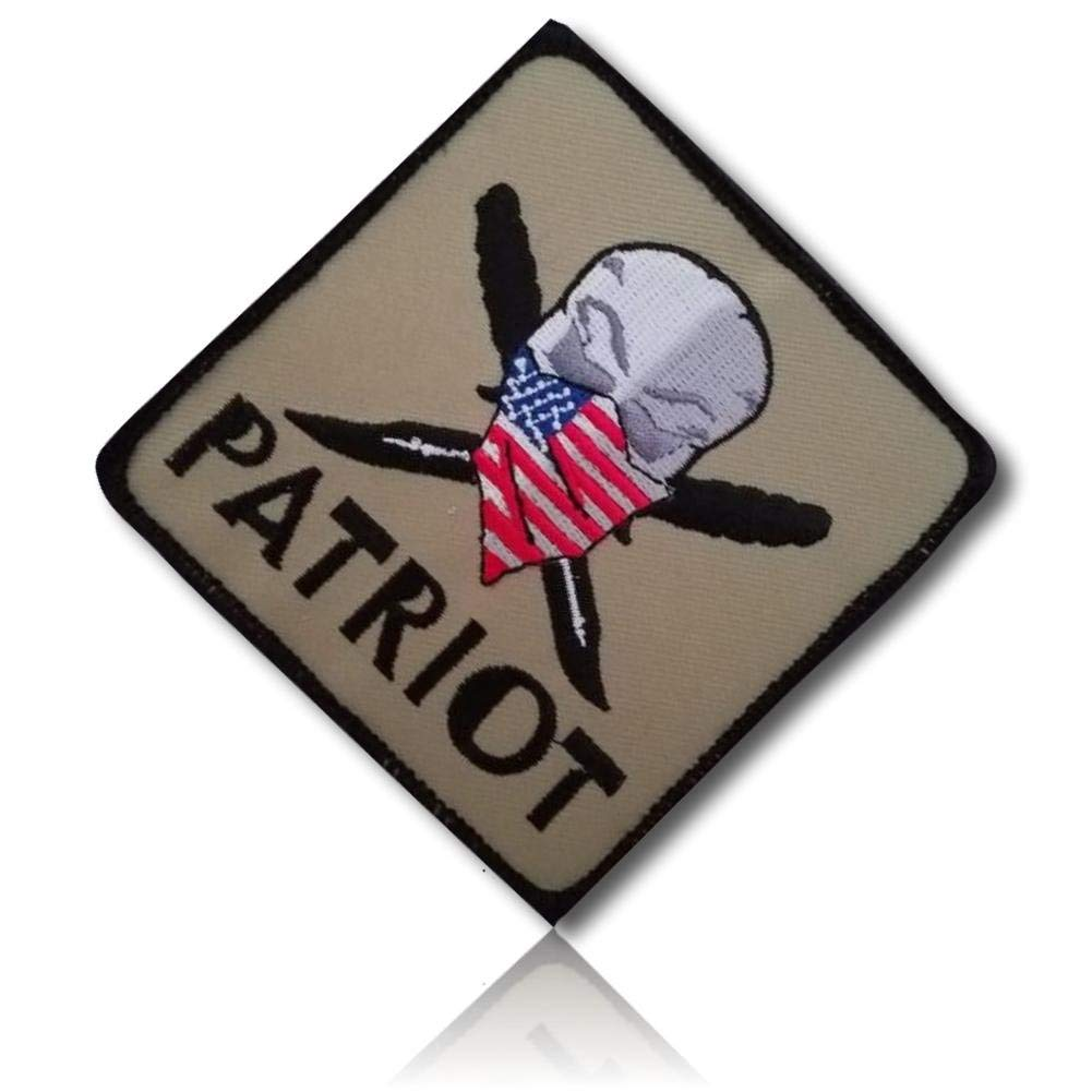 """[1 Count] Custom, Cool & Awesome {3.5"""" x 3.5"""" Inches} Mid-Size Square Morale w/ Patriot Skull American Flag Bandana & Knives USA United States (Military Type) Hook & Loop Fastener Patch """"Multicolor"""""""