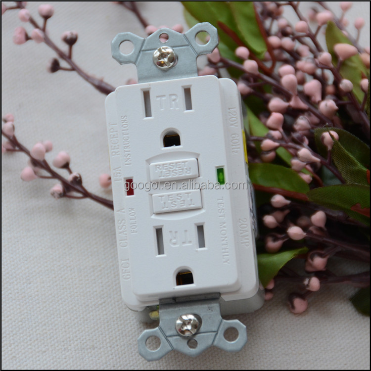 Cooper Wiring Devices15-Amp White GFCI Receptacle Wall outlet Socket
