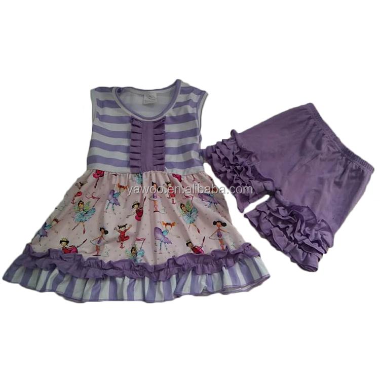 Bonito Vestido Del Desgaste Del Partido Para Las Niñas Foto ...