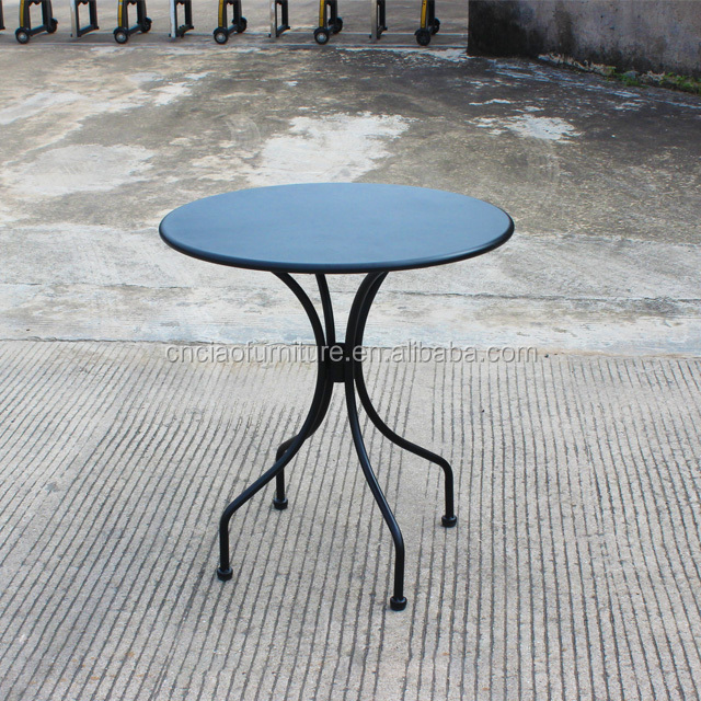 Patio iron round coffee table