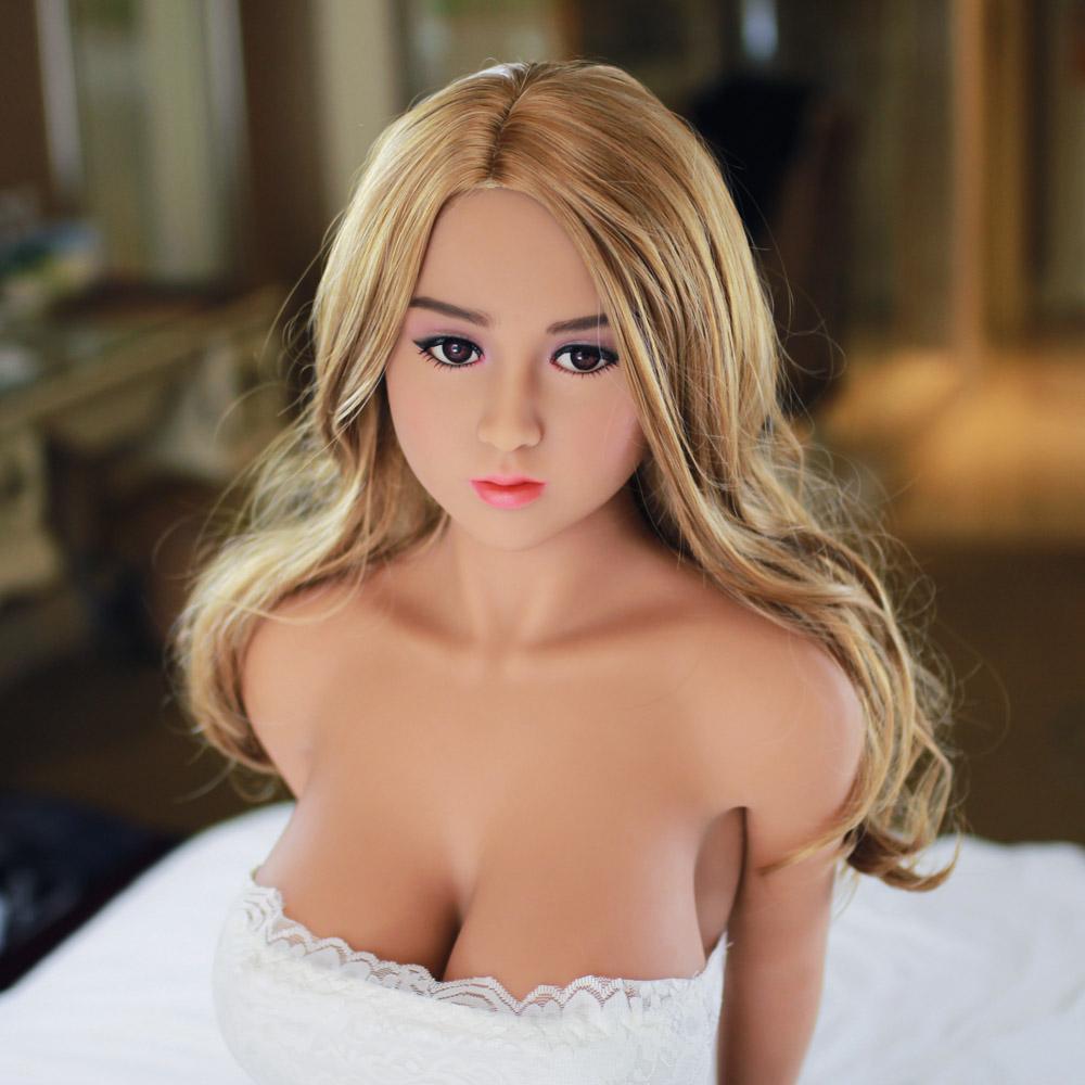 لطيف جدا خنثى الجنس دمية لعبة مع ضخمة الثدي للرجال-المنتجات الجنسية