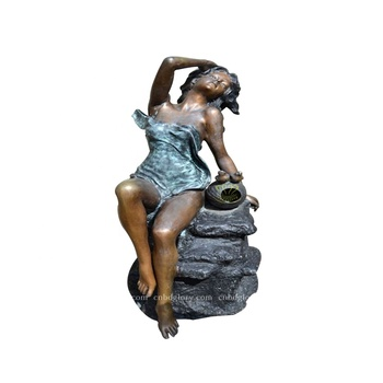 Outdoor garden ornament New product brass Bathing Woman statue