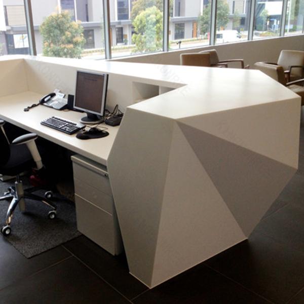 Altura modernos mostradores de recepci n dise os de for Recepcion oficina moderna
