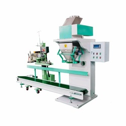 Poultry feed weighing packing scale poultry feed packing machine with conveyor and sewing machine poultry feed packing machine