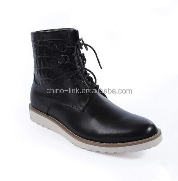 Fashionable genuine leather boots for men