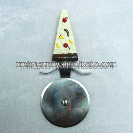 Pizza cutter of excellent houseware with resin handle