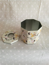 Octagonal tin case with round hole for tissue packing
