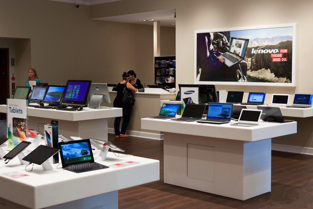 Retail Computer Shop Counter And Interior Design