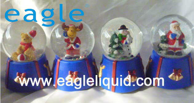 Christmas snow ball,polyresin christmas glass water dome