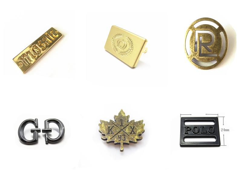 Letras Do Logotipo de Ouro da moda Marca de Metal Personalizado Gravado Oco Placas de Nome Para Bolsas