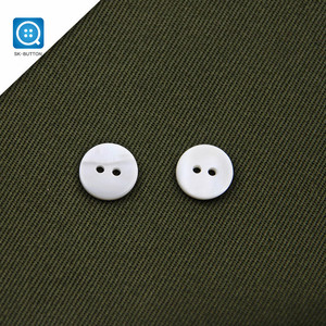 11.5mm 18L 2 Holes Round High Quality River Shell dying white custom shirt black Button