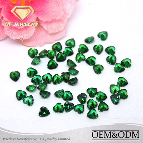 Heart shape emerald gemstone for jewelry green loose gemstone emerald