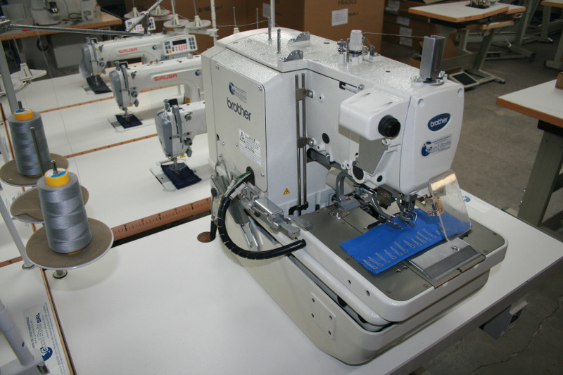 Brother Rh4040 Electronic Eyelet Button Holer Buy Eyelet Unique Brother Button Sewing Machine