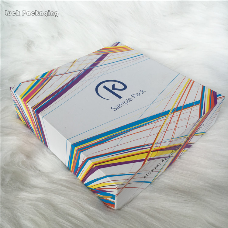 OEM Printing Logo Customized Glossy White Corrugated Socks Clothing Packing Shipping Postage Boxes Mailer Box DongGuan