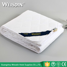 Premium white mattress protector hotel hospital bed waterproof mattress cover