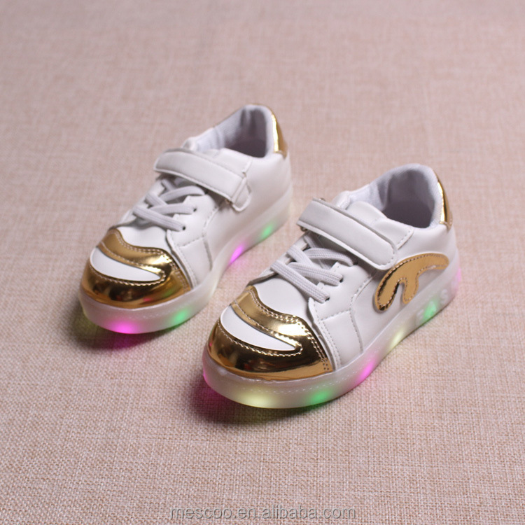 2017 New 3 color Children flat shoes Sneakers Fashion Sport Led Luminous Lighted Shoes for Kids Boys Casual Girls shoes