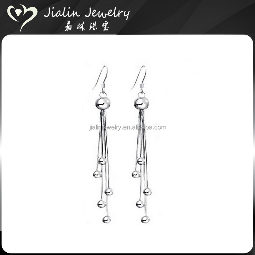 Latest Tanishq Earrings Designs, Latest Tanishq Earrings Designs ...