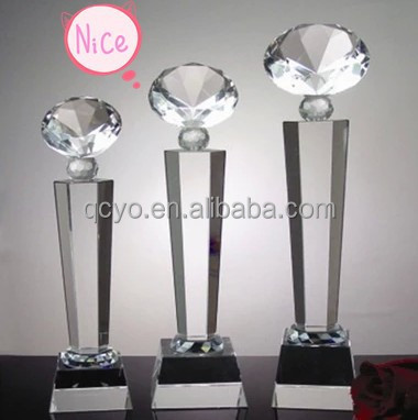 Alibaba China cheap and New design custom acrylic trophy and prize