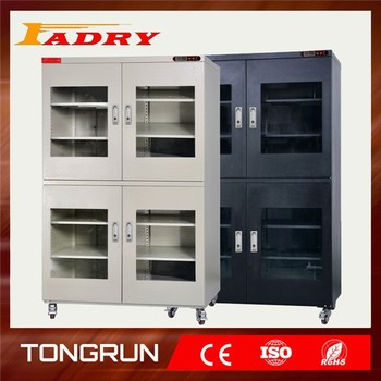 Industrial dry cleaning machine in machinery
