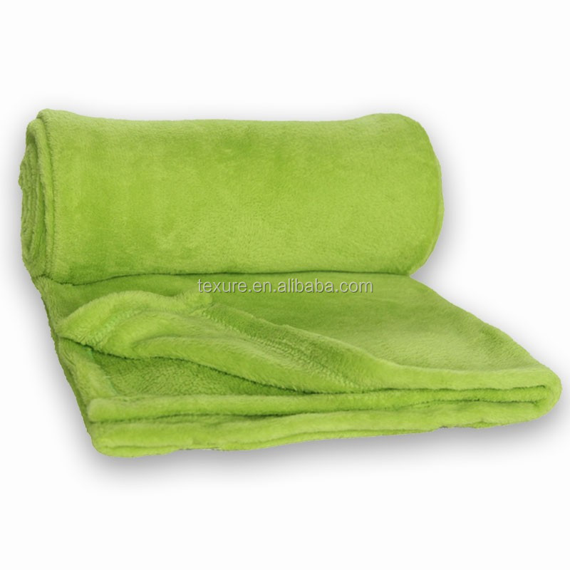Super Popular Soft Plain Coral fleece Blanket ,Rolled up Travel Blanket with Handle Made in China