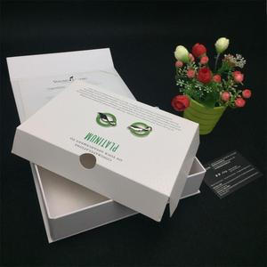 Carton Foldable Custom Logo White Packaging A Magnetic Gift Card Box