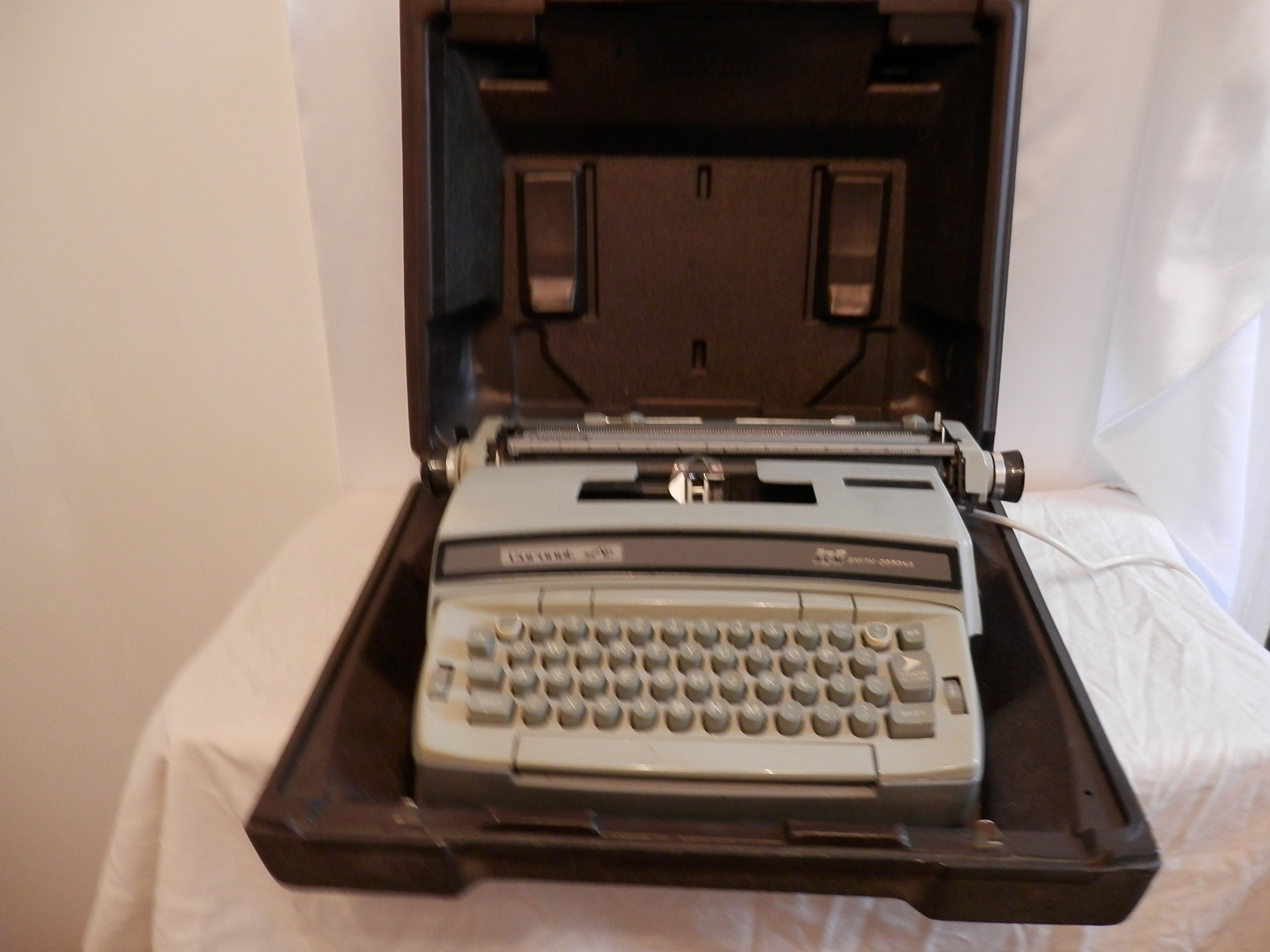 Get Quotations · Smith Corona Typewriter Coronet Super 12 Electric  Typewriter Model 6LEA Made In USA