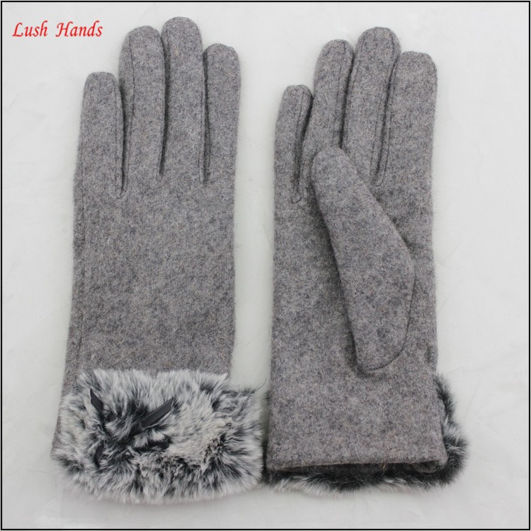 ladies winter warm grey woolen hand gloves with fur