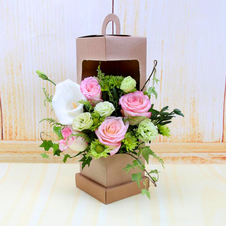 Custom logo printed luxury kraft flower boxes rose box wedding with handle and window