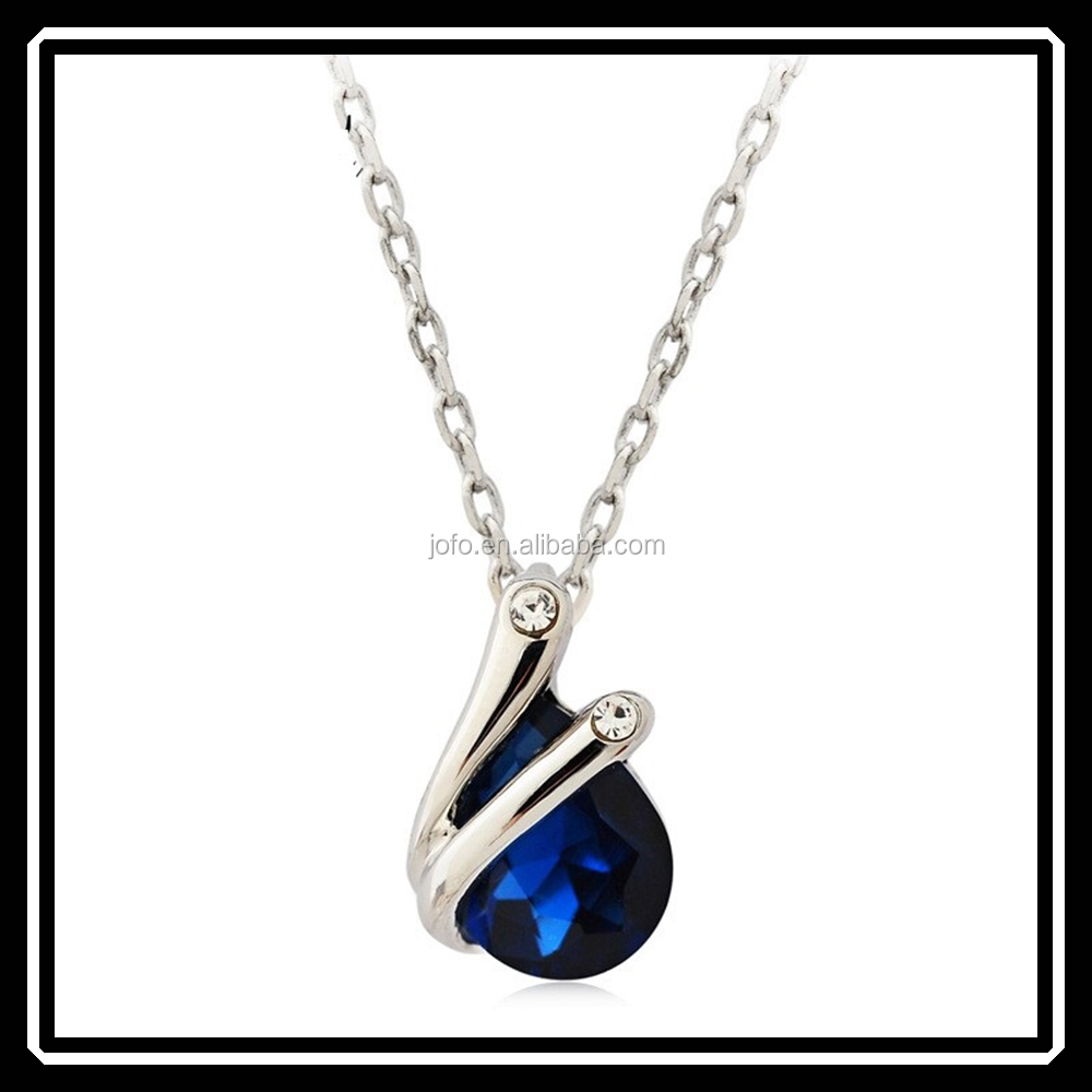 Elegant Temperament Type Crystal Waterdrop Pendant Necklace Jewelry In Silver MGJ0137
