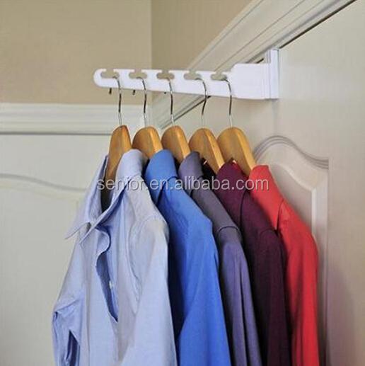 Идея для вешалки на шкаф / разное / маленькие хитрости умный.