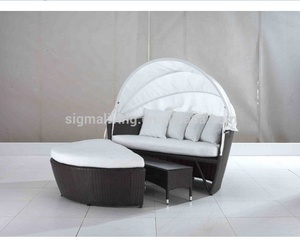 All weather outdoor beach rattan round daybed sun lounger with canopy furniture
