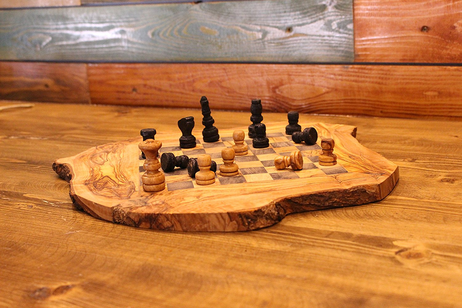 Marvelous Handmade Olive Wood Chess Board Hand Carved Rustic Wooden Chess Games  (26cm26cm)