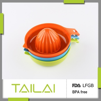 New design high quality reasonable price plastic squeezer