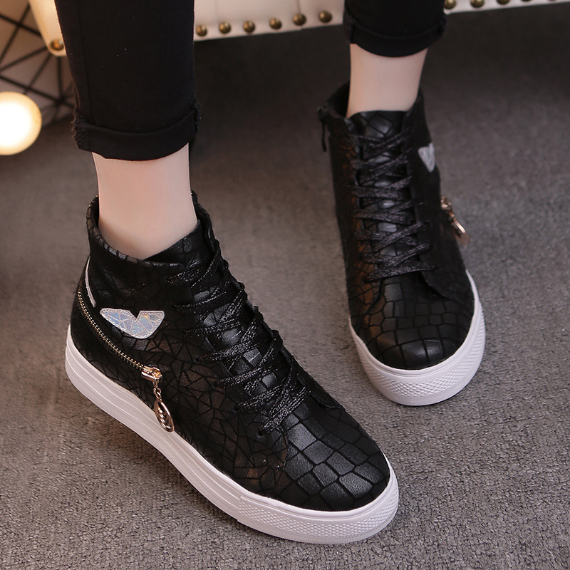 Black converse leather high tops