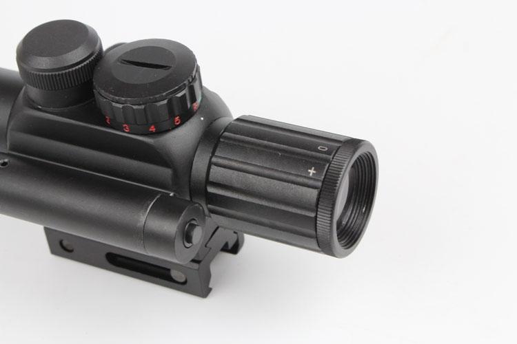 Berburu penampakan teleskop laser dengan reflex red dot