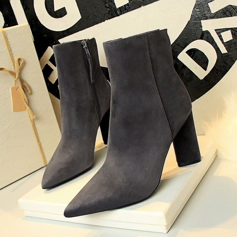 SW4006 Plain design pointed toe suede women thick high heels ankle boots
