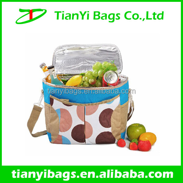 Insulated lunch box with thermal water ice bags
