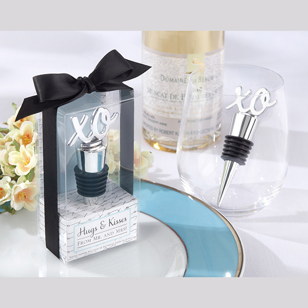 Wedding Favor Hugs and Kisses from Mr and Mrs XO Bottle Stopper
