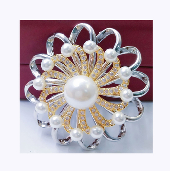 INFANTA JEWELRY Ribbon Brooch Rotating Pearl Pendant Felt Brooch Pins Designs Gold Fashion Brooch For Ladies