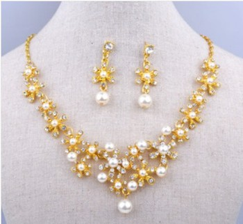 Price Stocking Wedding Bridal Gold Plating Pearl Snowflae Necklace Earring Sets