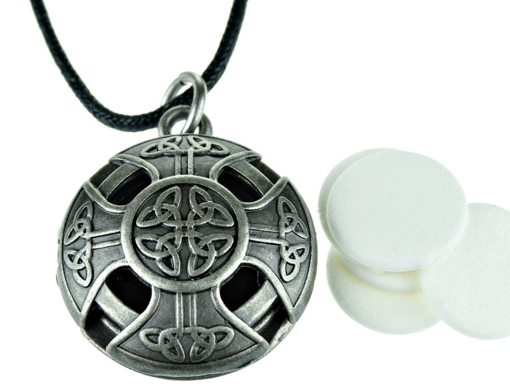 celtic pendant antique essential diffuser a locket necklace lovely lockets hearts oil bronze aromatherapy round oblacoder color